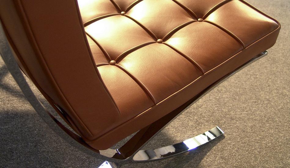 Barcelona Chair_Modell_MR90_Leder_leather_by_Mies_van_der_Rohe_for_Knoll_International_1928_1929_©_Die_GestaltungsWerkstatt_3