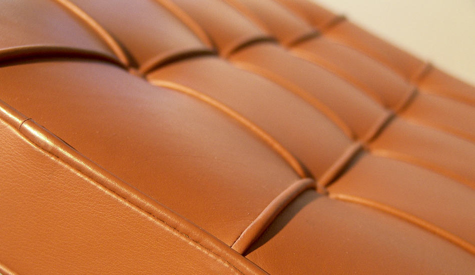 Barcelona Chair_Modell_MR90_Leder_leather_by_Mies_van_der_Rohe_for_Knoll_International_1928_1929_©_Die_GestaltungsWerkstatt_6