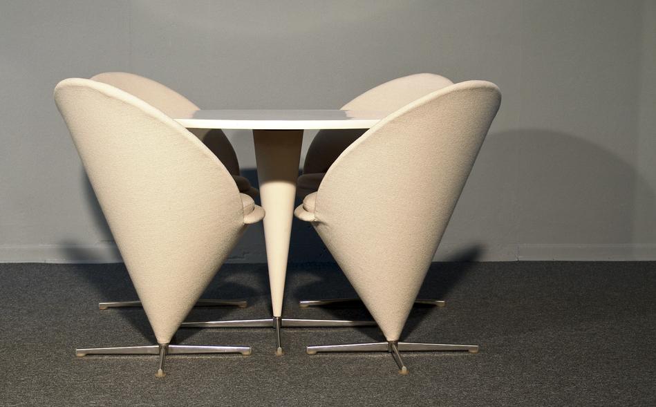 Cone_Chair_Verner_Panton_KVADRAT_Hallingdal_weiß_1958_©_Die_GestaltungsWerkstatt_1